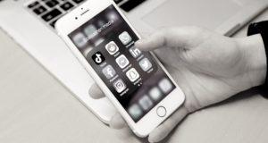 Kuva: Sosiaalisen median kanavat auki älypuhelimella